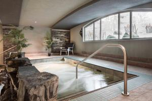 The swimming pool at or near Royal Canadian Lodge
