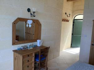 A bathroom at Ellie Boo Bed & Breakfast
