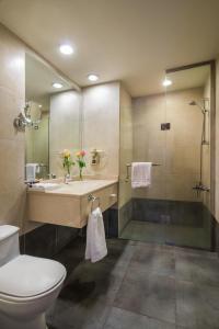 Um banheiro em Mena Hotel Riyadh