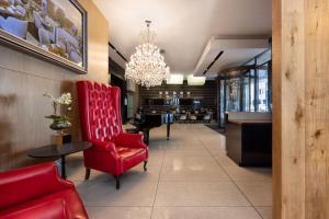 De lobby of receptie bij Pepperclub Hotel