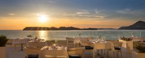 Ein Restaurant oder anderes Speiselokal in der Unterkunft Dubrovnik President Valamar Collection Hotel