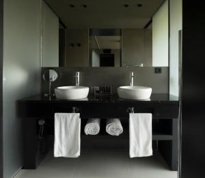 A bathroom at VIVOOD Landscape Hotel & Spa - Adults Only