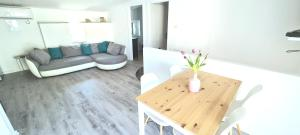 A seating area at Apartments Mariani