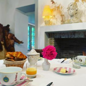 Breakfast options available to guests at La Maison d'Aline