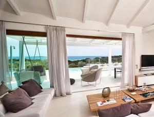 Area soggiorno di Marina de lu imposta Villa Sleeps 12 Pool Air Con