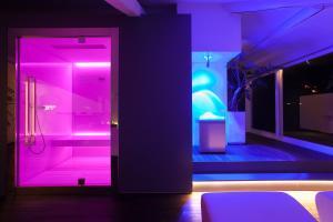 Ein Badezimmer in der Unterkunft Hotel Lago Di Garda