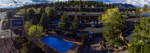 A view of the pool at Hotel Aspen Flagstaff/ Grand Canyon InnSuites or nearby