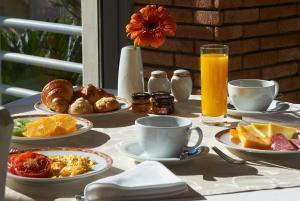 Opciones de desayuno disponibles en Grande Real Santa Eulalia Resort & Hotel Spa