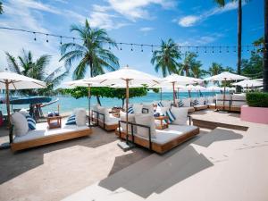 Бассейн в Pullman Pattaya Hotel G или поблизости