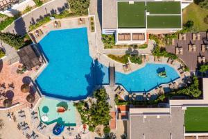 Utsikt mot bassenget på Porto Angeli eller i nærheten