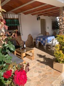 Piscina en o cerca de Casa Rural Cortijo El Helao