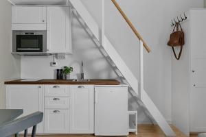 A kitchen or kitchenette at Venngarn 304