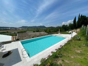 Piscina di Villa Poggio Ulivo Apartments o nelle vicinanze