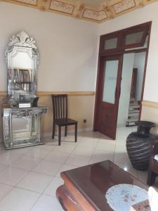 A seating area at Denisa Guest House