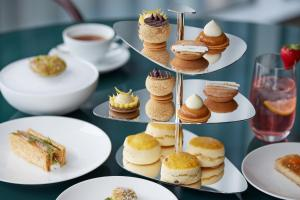 Breakfast options available to guests at Four Seasons Hotel Tokyo at Marunouchi