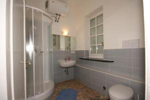 A bathroom at Hotel La Marina