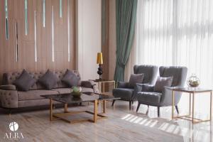 ALBA HOTEL & SPA tesisinde bir oturma alanı