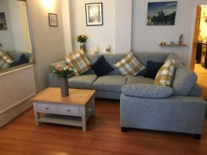 A seating area at Dolphin Guesthouse