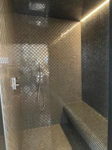A bathroom at Van der Valk Hotel Mons Congres