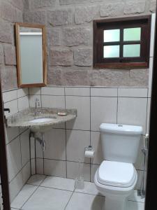 Um banheiro em Cantos da Mata