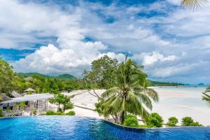 A view of the pool at Koh Yao Yai Village or nearby