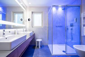 Ein Badezimmer in der Unterkunft Quellenhof Luxury Resort Passeier