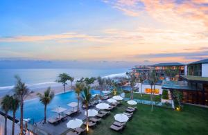A view of the pool at Alila Seminyak or nearby