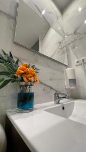 A bathroom at Junqueira76 Guesthouse