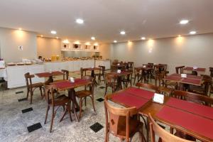 A restaurant or other place to eat at Fênix Hotel Moema