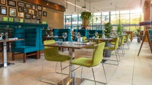 A restaurant or other place to eat at Innside by Melia Manchester