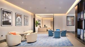 منطقة الاستقبال أو اللوبي في Radisson Blu Hotel & Resort, Abu Dhabi Corniche