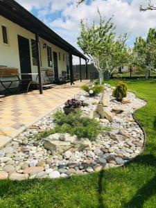 Сад в Гостевой дом УЮТ