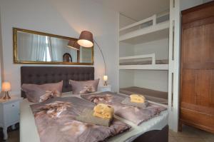 Ein Bett oder Betten in einem Zimmer der Unterkunft Villa Backstein OBO19