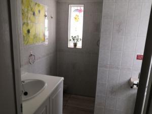 A bathroom at Seashells Guest House
