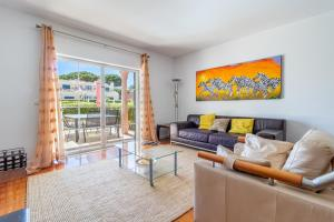 A seating area at Lovely villa in Vila Bicuda Cascais Resort