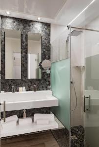 A bathroom at Francisco I