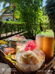 Breakfast options available to guests at Pipa Porto do Sol