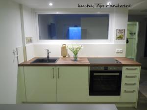 Küche/Küchenzeile in der Unterkunft Villa Backstein OBO19
