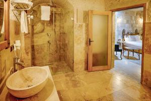 A bathroom at Design Cappadocia Hotel
