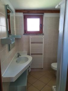Een badkamer bij Bungalows in Camping Solarium