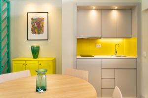 Una cocina o zona de cocina en Villa Mandi Golf Resort