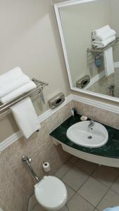 A bathroom at The Benjamin Hotel on Florida Road