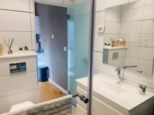A bathroom at klil hacoresh suite eilat