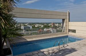 The swimming pool at or near Amérian Executive Hotel Mendoza