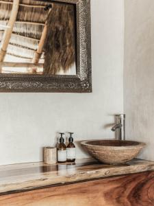 A bathroom at Hotel Maraica San Pancho