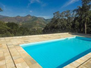 The swimming pool at or close to Pousada Pé da Tartaruga
