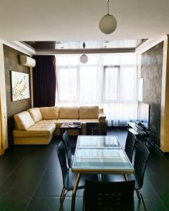 Гостиная зона в Apartment on ulitsa Chaykovskogo