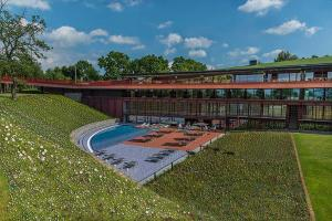 The swimming pool at or near Villaverde Hotel Spa&Golf Udine
