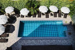 Вид на бассейн в Hotel Soprano или окрестностях