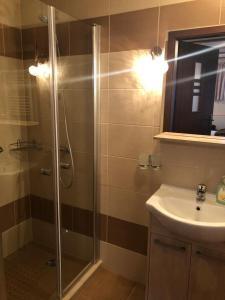 A bathroom at W Ciemno